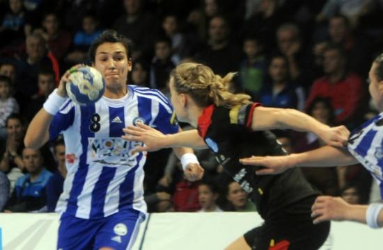 cristina-neagu-joaca-in-finala-ligii-campionilor-la-handbal-feminin-120612-1