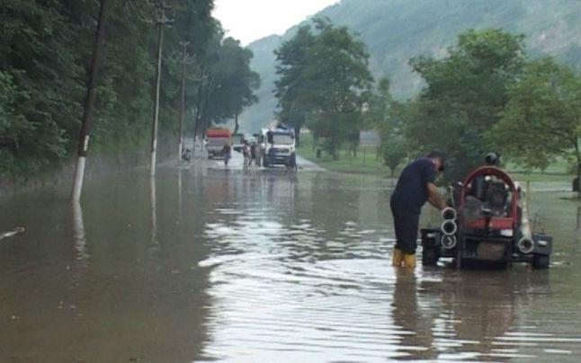 inundatii Calimanesti