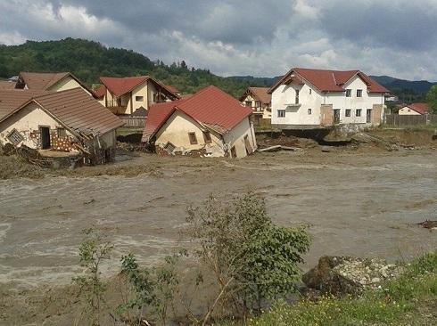 Vladesti inundatii