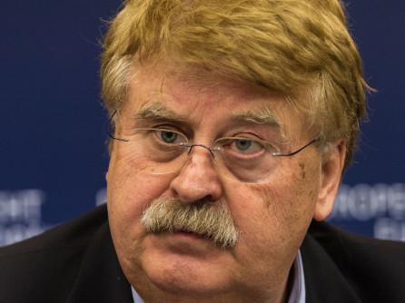 Lupii moralisti ai UE: Eurodeputat german încasa 150 de euro de la fiecare vizitator pe care îl aducea la PE