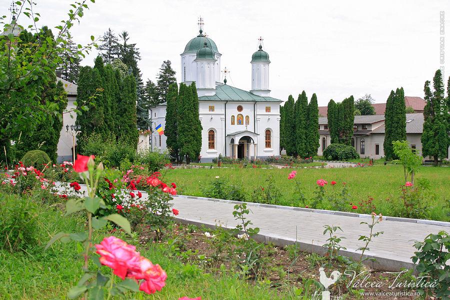 episcopia-ramnicului-ramnicu-valcea-08