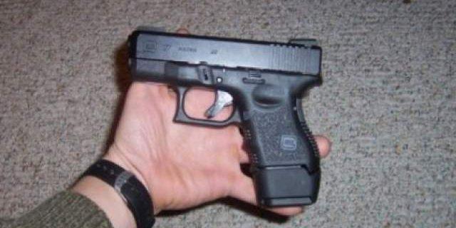 barbat-cercetat-pentru-detinere-ilegala-de-arme-si-munitie