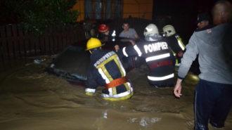 inundatii-interventie-isu-pompieri-11-1024x683
