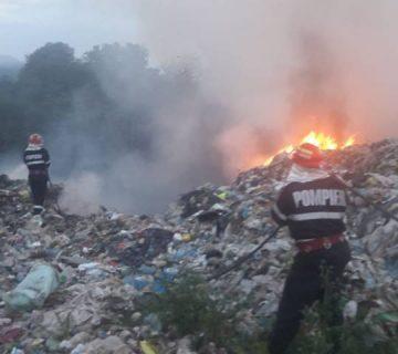 incendiu-groapa-de-gunoi-360x640