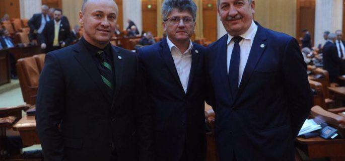 Eugen Neata colegi Parlament